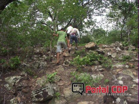 Caçadores de Histórias na trilha dos pilões de pedra deixados por povos indígenas