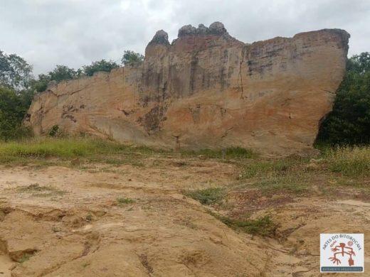 A Pedra do Letreiro de Batalha, lugar místico e importante sítio arqueológico do Piauí