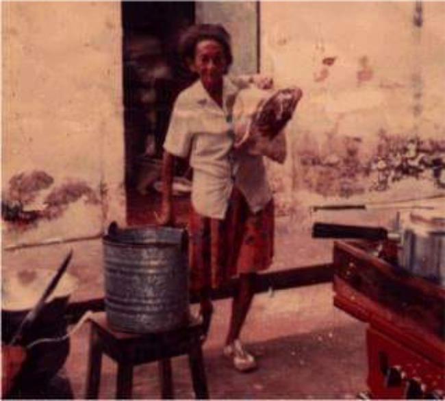 Leontina Artista da Bahia, a ilustre vendedora de fritos da Piracuruca