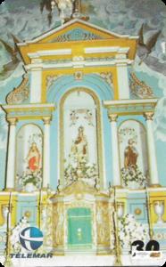 Igreja Matriz de N. Senhora do Carmo - Piracuruca-PI - Altar-mor em estilo neoclássico, erigido em 1926, com destaque para o sacrário original (século XVIII) incorporado ao conjunto