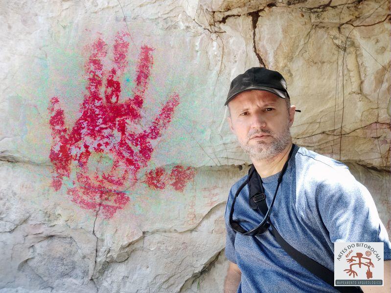 """A intrigante pintura rupestre da """"Mão de seis dedos"""", no Parque Nacional de Sete Cidades"""